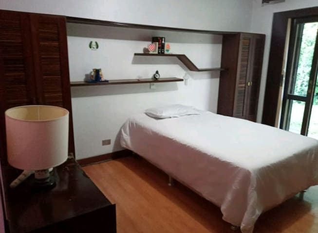 Petite Vila no Centro de Curitiba
