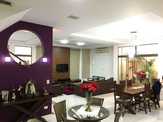 térreo/planta baja/ground floor