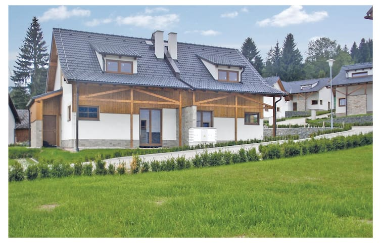 Semi-Detached with 2 bedrooms on 91 m² in Lipno nad Vltavou