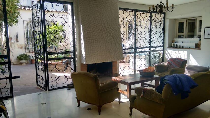 Habitacion en Casa Colonial en el centro de Salta