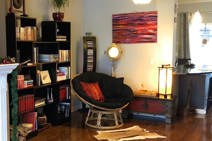 Eclectic private room(s) in the heart of Chicago!