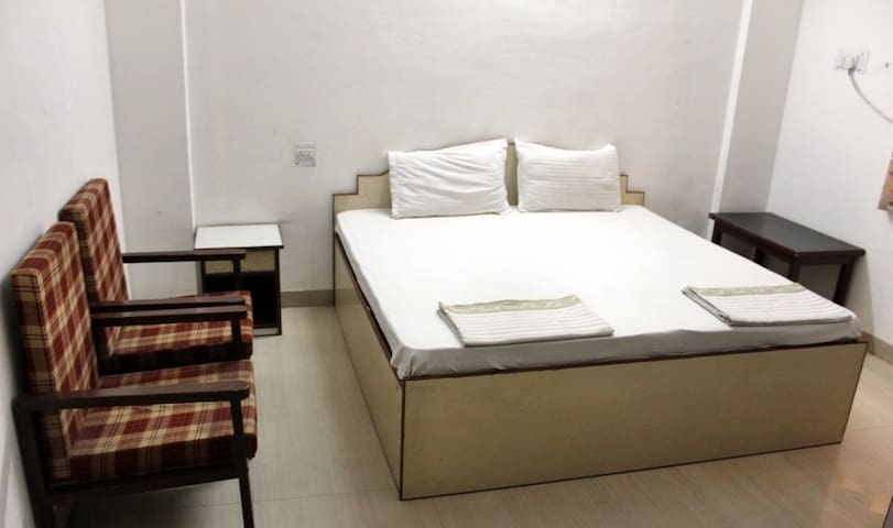 AC Room-TBS - Vrindavan - Pension