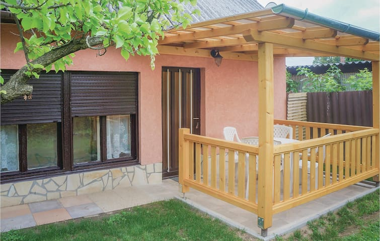 Holiday cottage with 2 bedrooms on 65m² in Balatonföldvár