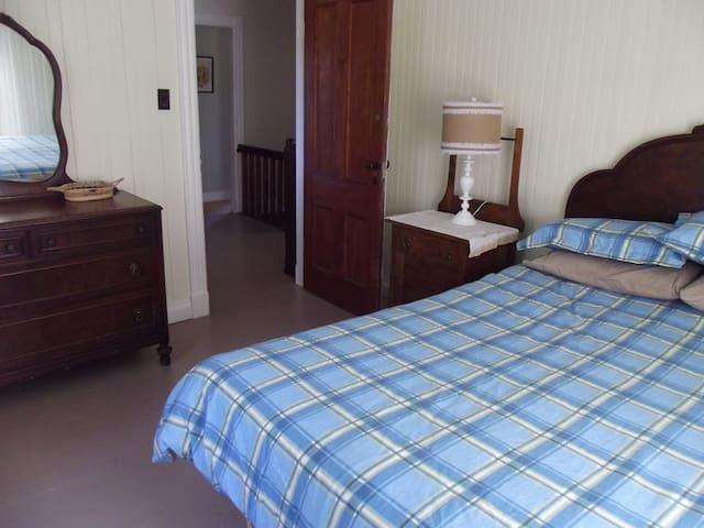 Willett House Room 2