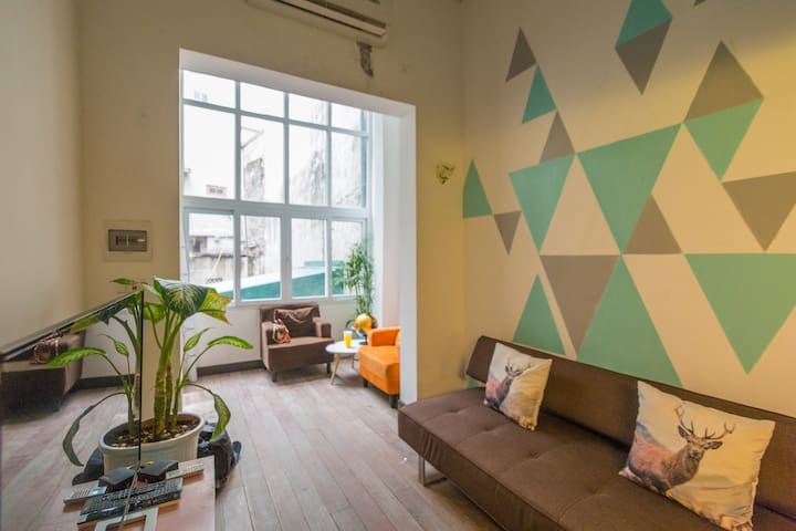 Cozy Loft in old town&famous gastro - Hanói