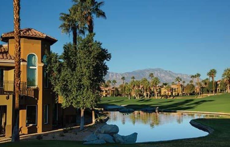Marriott Desert Spring Villas II Studio Unit