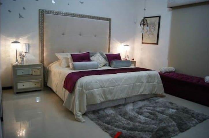 Bonita Casa en Residencial Senderos - Torreón - Hus