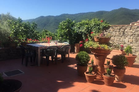 Casa Nicola. Large quality home in Tuscan village - Popiglio