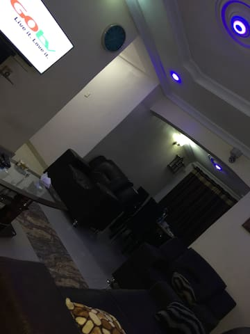 Private Room Shared Common space Apt in Egbeda