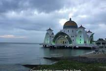 Masjid Selat Melaka very beautiful mosque 马六甲超级漂亮的海上清真寺 打卡打卡
