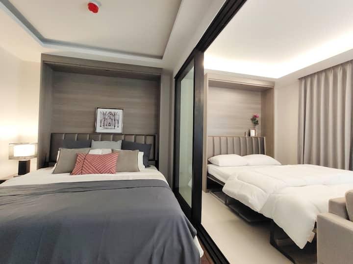 CENTRAL BANGKOK +2 beds@BTS Asok&MRT SUKHUMVIT
