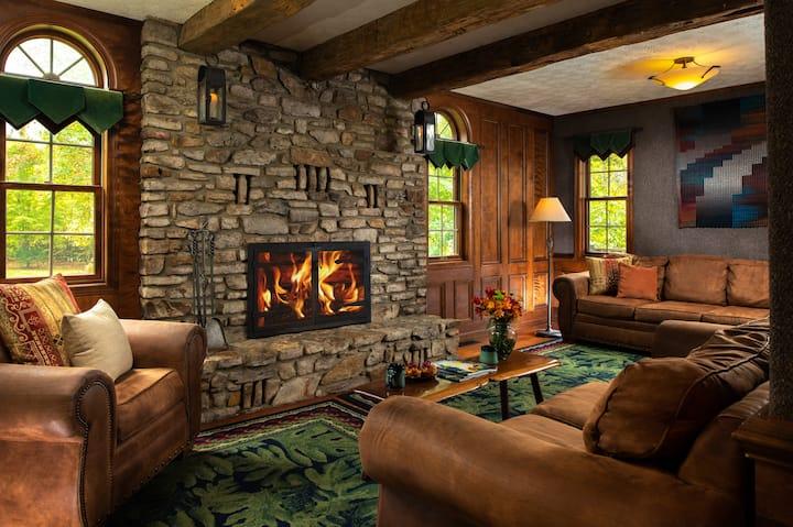 Paddler's Lane Retreat - Main House Rental - Full House