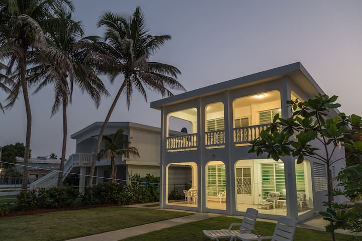 IN RINCON!!  Casa Playa BEACHFRONT Home Sleeps 12!