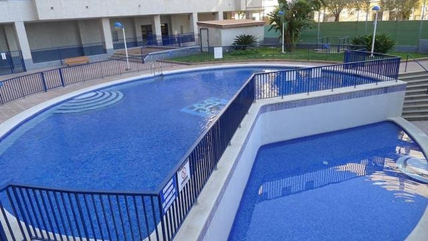 Large apartment with parking, wifi and pool