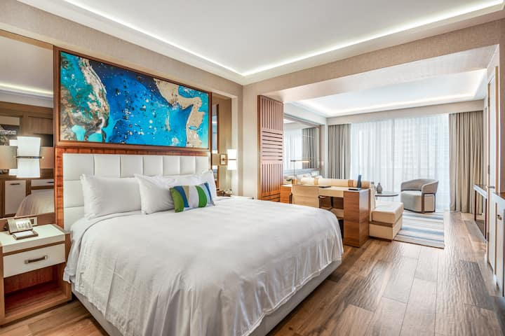 Jr.Suite at Ocean Residences on the Beach
