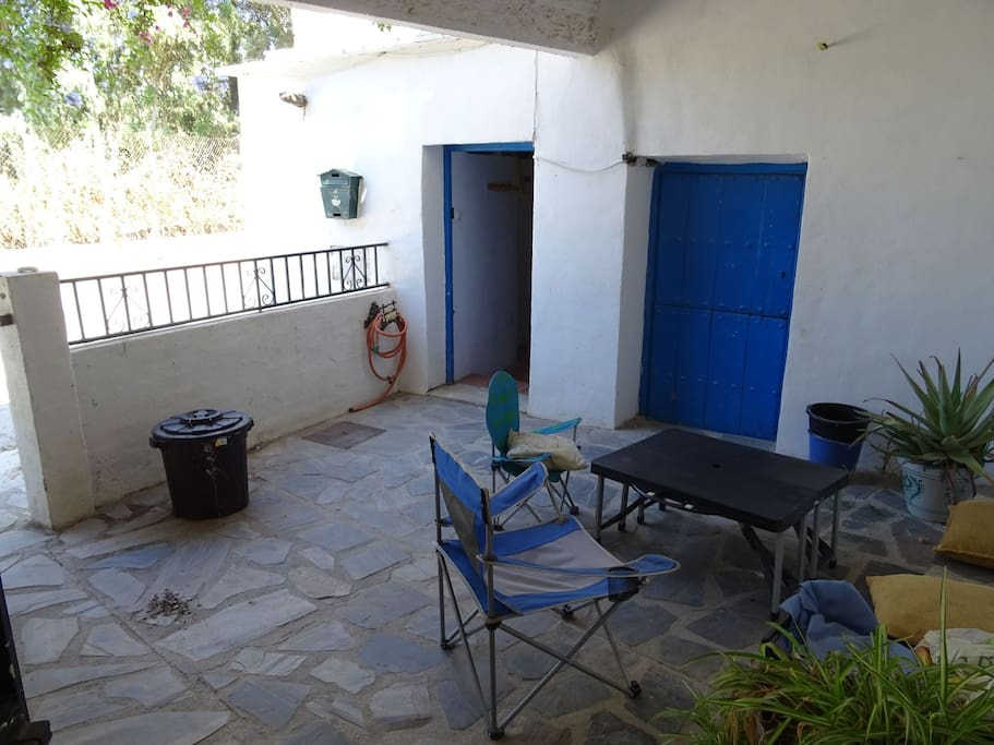 Private courtyard seating area for guest showing own entrance to your en-suite studio room