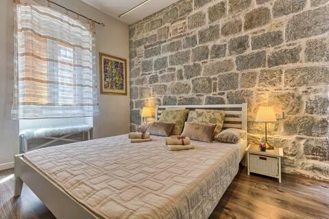 Apartment Mediterranean Oasis