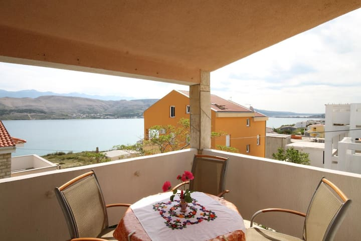 Studio flat with terrace and sea view Pag (AS-6326-a)