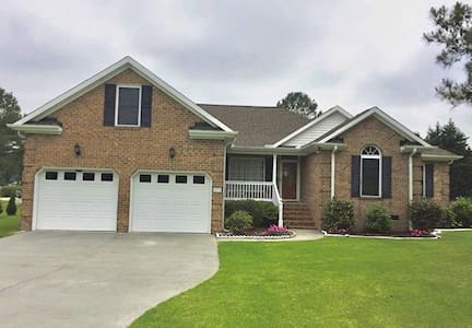 Cozy and Clean 3-Bedroom in Greenville