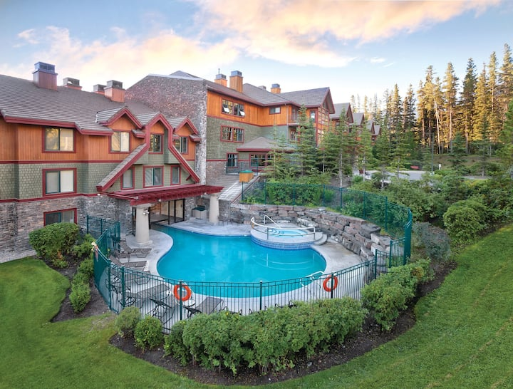 Canmore - Banff Resort - COMFORTABLE one Bedroom