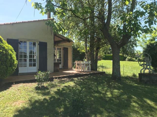 Petite maison individuelle au bord du Tarn