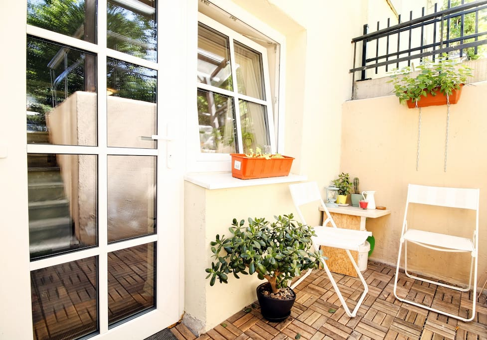 Private small terrace with roof