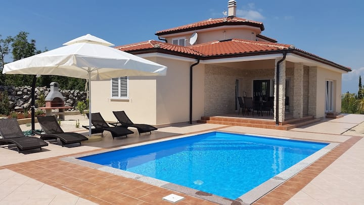 Beautiful Villa Veger with private pool