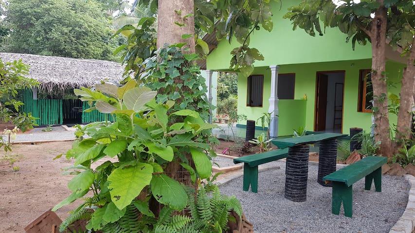 Evergreen Hotel & Restaurant