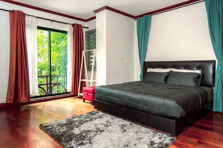 Cozy Studio room for short and Long stay