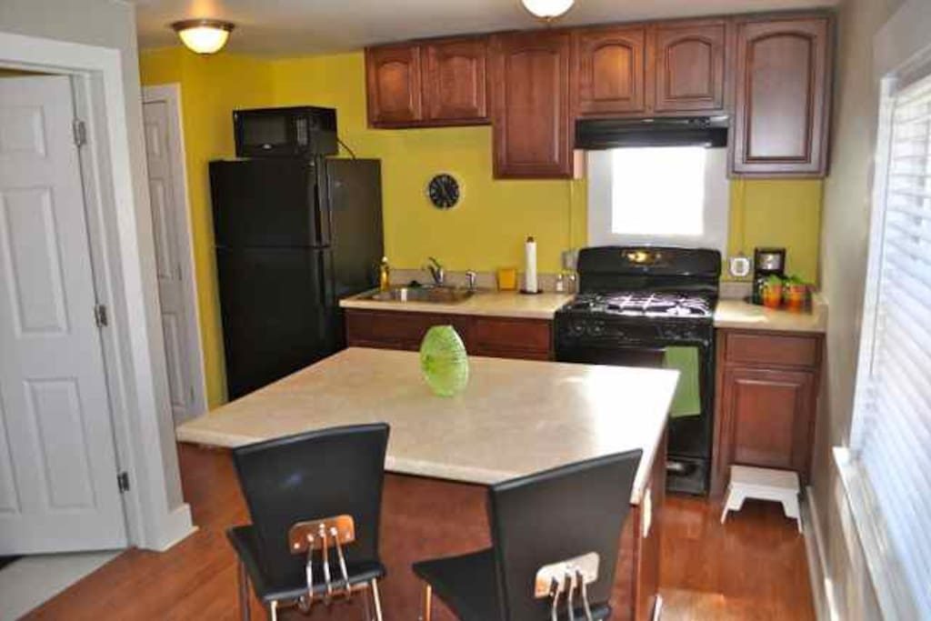 Kitchen & Island