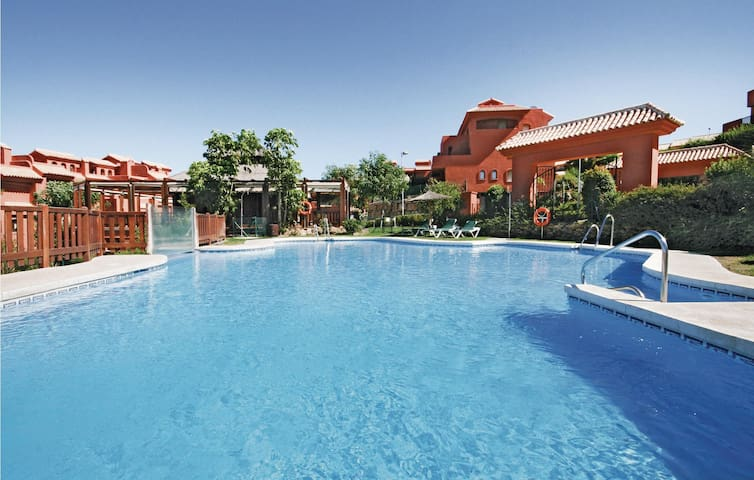 Holiday apartment with 3 bedrooms on 90 m² in Estepona