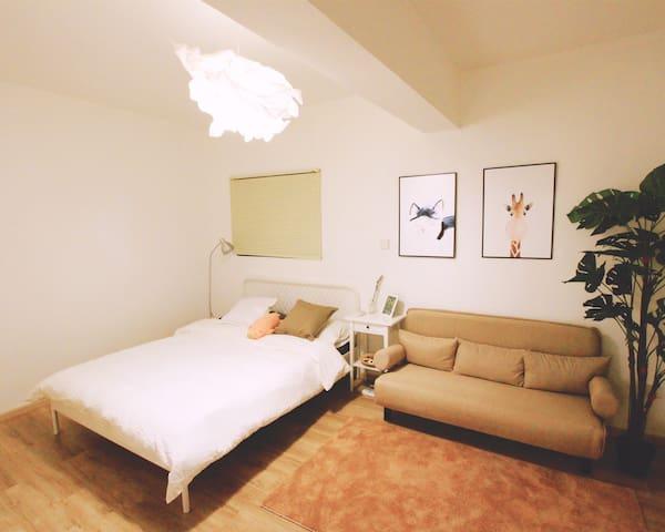 【DQ家/Stella】Chengdu巨幕影院豪华套一/春熙路/ifs太古里/市中心/双大床房沙发床
