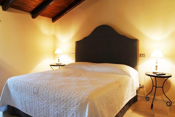 Agriturismo Folesano 13th century - Panico - Castle