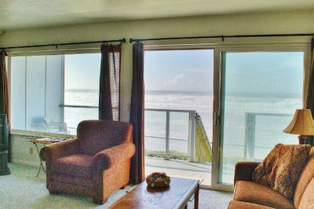 Beachfront Condo at Nye Beach, OR - Newport - Appartement en résidence