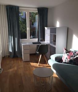 Berlin Zuhause mit Balkonen