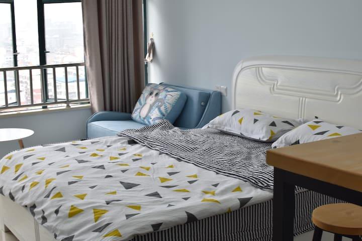 1.8米大床+1.1米沙发床 轻松hold一家三口出游