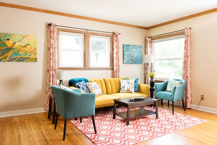 Gorgeous colorful living room for everyone to enjoy!