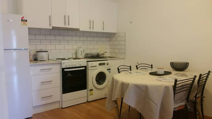 Close to City, Beach, Airport, Cafes, Shopping