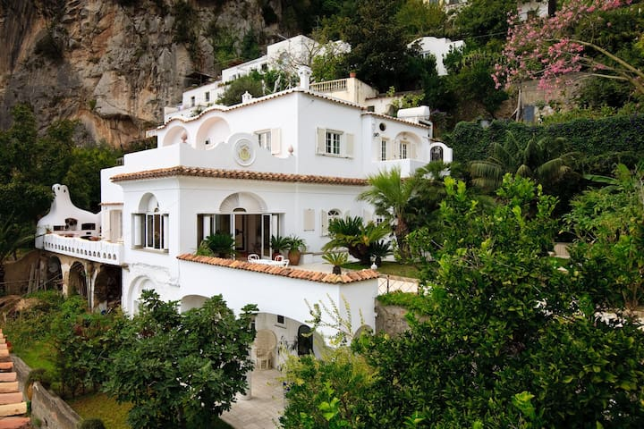 LA CASA DI PEPPE Caberete Room - Positano - Bed & Breakfast