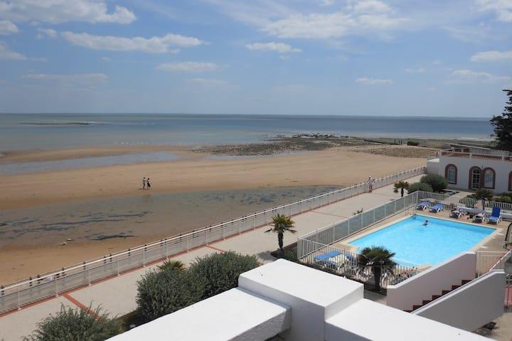 Studio, Beachfront, facing the sea, Swimming Pool