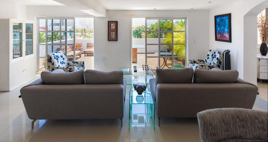 Beautiful Apartment • 4 Bedrooms • TV's, A/C, WiFi