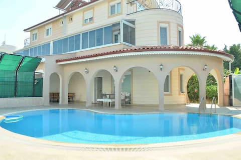 PRİVATE LUXURY VİLLA WITH POOL IN KADRIYE BELEK