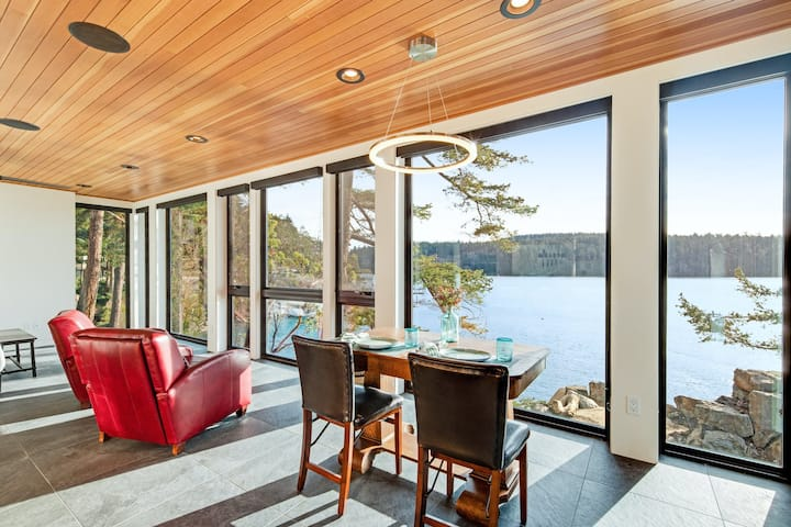 Stunning Guest Home on the Water w/ Gorgeous Views, Bright Interior & WiFi!