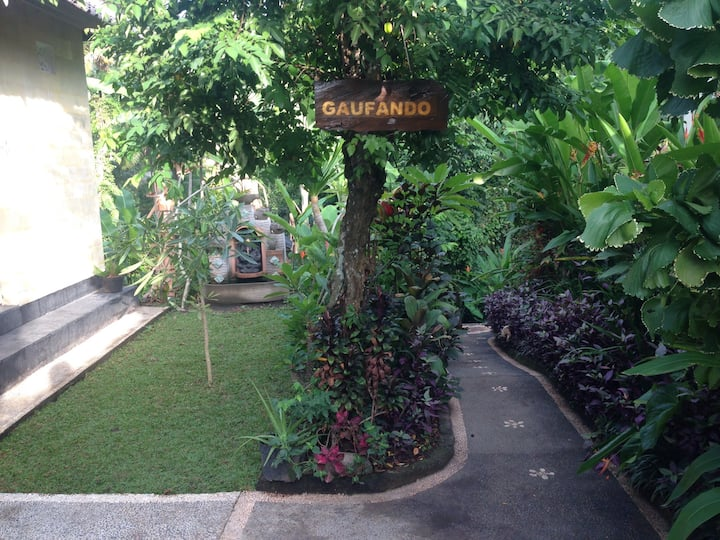 Ubud backpacker house(moning house)