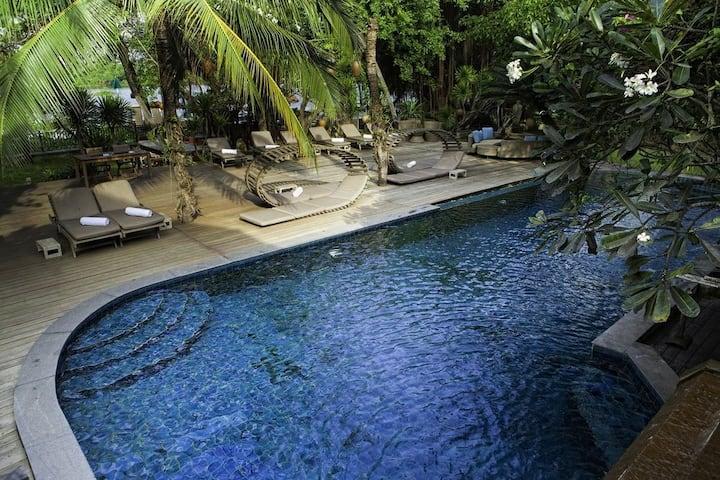 Awesome Villa on Saigon River!