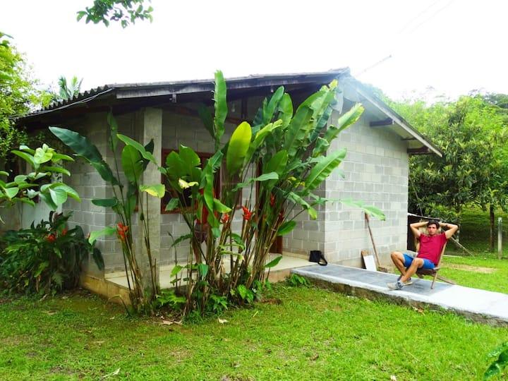 Hostel em lindo sitio - Quarto compartilhado