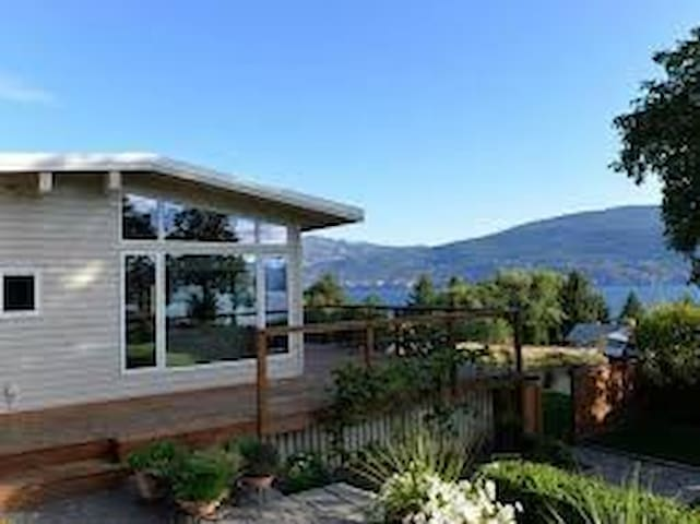 Summerland Views, with Huge Backyard