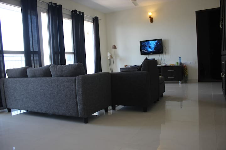 DivBnB(804):PrivateRoom with balcony in Whitefield