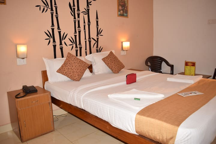 Jesus Holiday Home  Hotel - Candolim - Bed & Breakfast