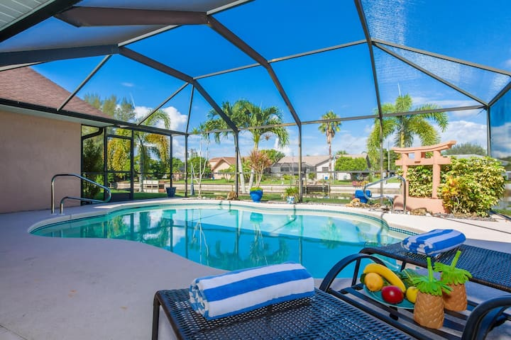 Gulf Retreat 3 Bedroom, 2 Bath  with Air hockey Table and Pool Table, Pack and Play and High Chair,Bikes